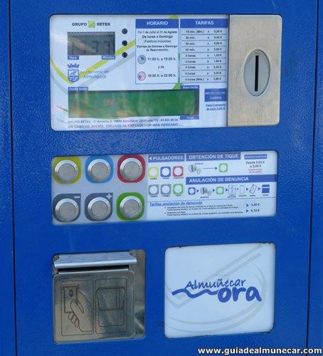 Insertar monedas y emisión de ticket aparcamientos públicos en Almuñécar