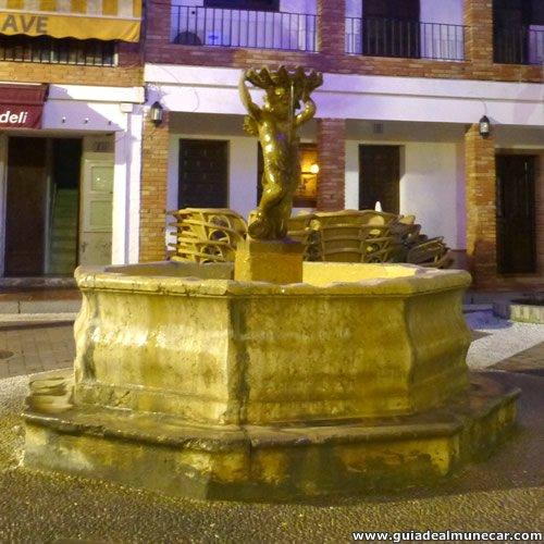 Fuente en la Plaza de los Higuitos, Casco Histórico de Almuñécar
