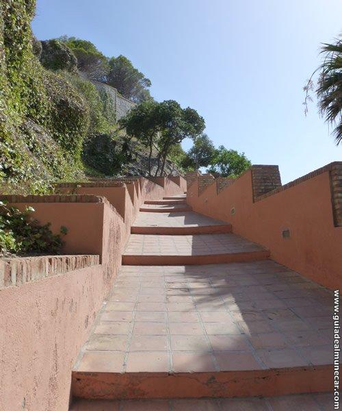 Escalera de Acceso a la cima del Peñón del Santo y Cruz.