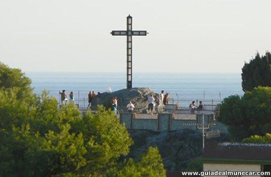 Turistas y vistas panorámicas de las playas de Almuñécar