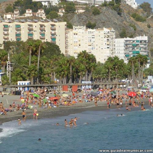 Temporada de verano en la Playa Puerta del Mar.