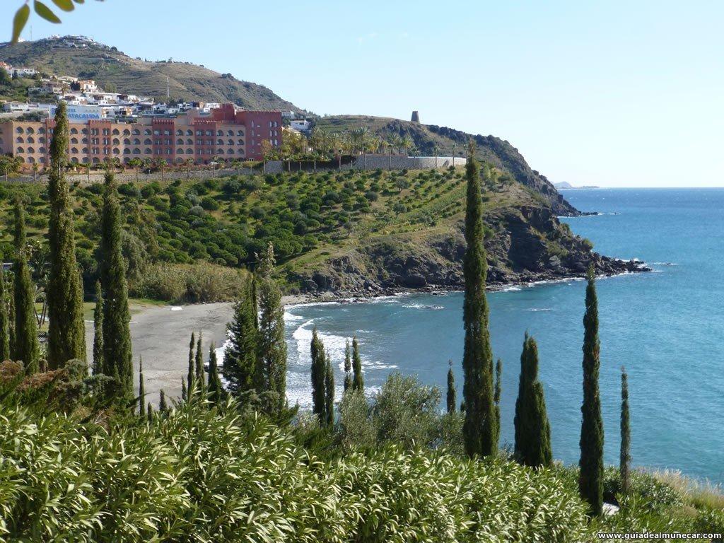 Vistas Panorámicas Playas Calabajío y Cabria desde Parque del Mediterráneo, Almuñécar