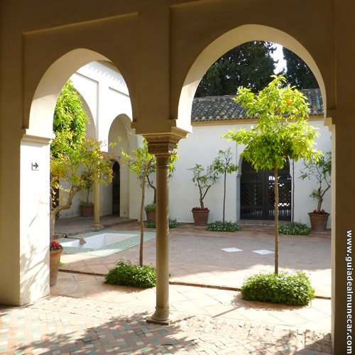 Patio interno de la Alcazaba de Málaga.