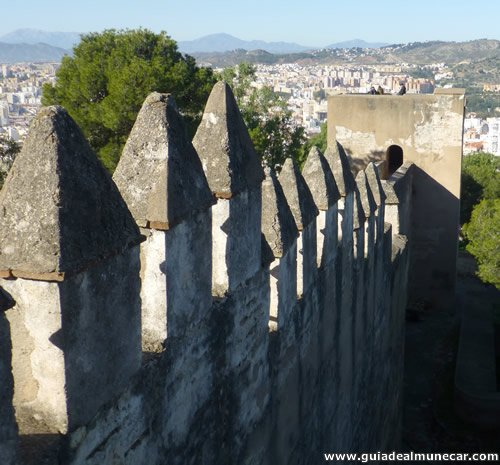 Murallas de defensa en el Castillo de Gibralfaro, Málaga