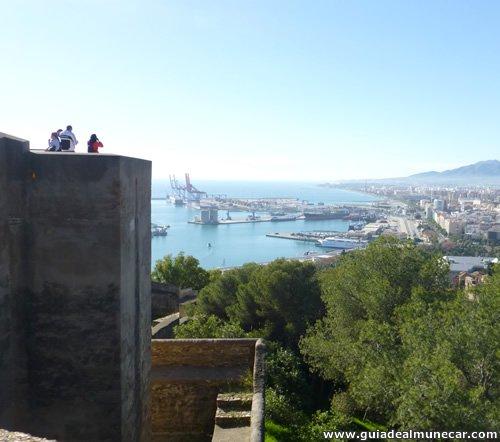 Torre y Defensas en el Castillo de Gibralfaro, Ciudad de Málaga.