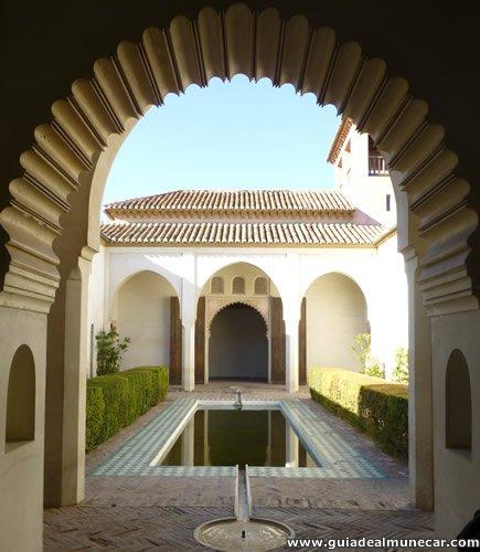 Patio interno de la Alcazaba de Málaga