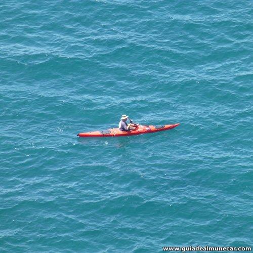 Actividades deportivas náuticas en Almuñécar como el piraguismo