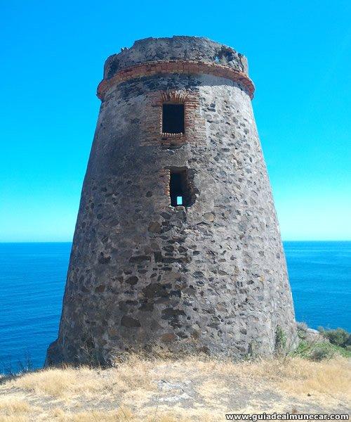 Torre del Diablo, Atalaya de vigilancia militar en Barranco de Enmedio, Almuñécar.